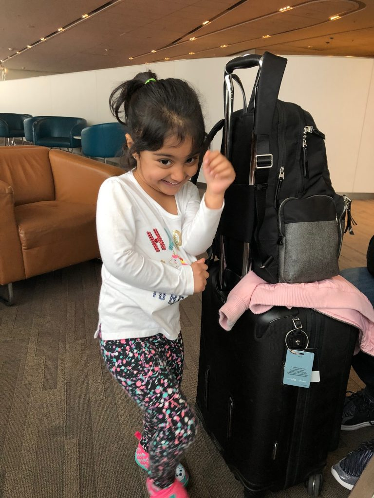 soniajhas_travellingtoddler_fly-during-the-day